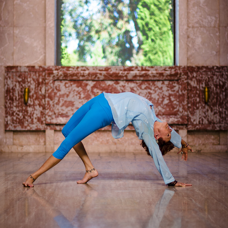 Jeanne Heileman Camatkarasana wild thing yoga pose Los Angeles Yoga Teacher